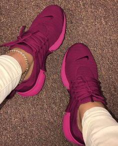 Cute Sneakers Shoes Sneakers Air Max Sneakers Hot Shoes Adidas Sneakers Look Com Tenis Nike Air Vapormax Sneaker Boots Nike Shox Cute Sneakers, Sneakers Nike, Sneaker Store, Nike Air Shoes, Purple Nike Shoes, Purple Tennis Shoes, Purple Nikes, Nike Tennis Shoes, Sport Outfit
