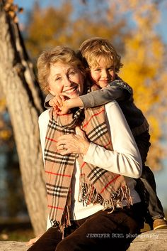 grandmother and grandson hug, boulder baby photography, jennifer buhl photographer