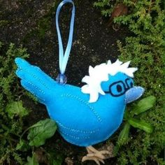 Birdie Sanders ornament in felt by CariocaWitchh on Etsy