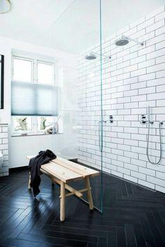 Bathroom design with wood look floor tiles