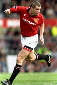 Gary Pallister - Former Centre Back Manchester United and the English national football team. Manchester United Legends, Manchester United Players, National Football Teams, Sport Football, Retro Football, Vintage Football, Man Utd Squad, Der Club, Premier League Champions
