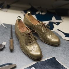 Gold Python wingtip oxfords for Women. Discover our exotic skin collection at Carmina shoemaker website & stores. Women's Wingtips, Cordovan Shoes, Leather Fashion, Mens Fashion, Gentleman Shoes, Men Store, Women Oxford Shoes, Penny Loafers, Your Shoes