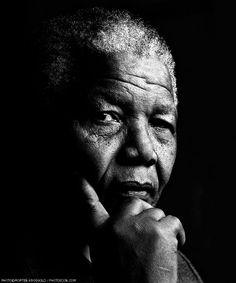 ♂ Black and White Man portrait face of Nelson Mandela! Nelson Mandela, Wal Art, Image Deco, Photo D Art, Looks Black, Charles Darwin, Celebrity Portraits, Salvador Dali, Famous Faces