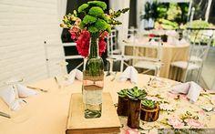 #casamentoscombr #casamentos #casamentosbrasil #wedding #bride #noivas #decoração #centrodemesa #rústico #flores