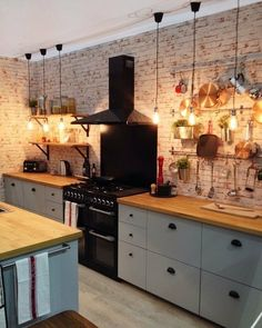 Kitchen inspiration//I imagine my kitchen to look like this :).