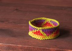 DIY: neon crochet friendship bracelet