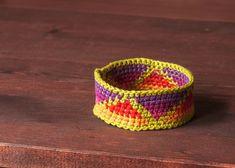 DIY: neon crochet friendship bracelet
