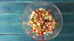 Recetas: Ensalada fácil de cuscús: buena, bonita y barata. Noticias de Gastronomía. Si la dejas reposar, aún estará mejor y si la sirves acompañada de alguna carne a la plancha, tendrás un menú perfecto
