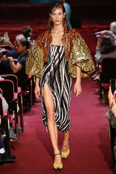 082af0a0604f Halpern Spring 2018 Ready-to-Wear Fashion Show Collection  See the complete  Halpern Spring 2018 Ready-to-Wear collection. Fashion Week 2016London ...
