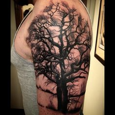 @meghanhoogIand only do a tree once a year...here you go! #treetattoo #meccatattoo #myhandhurts