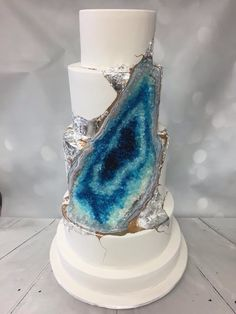 Whisk Cake Company Blue Geode Cake - beautiful, although I'm wary of trends -SD