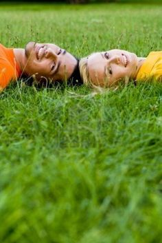 Couple Lying on the Grass - pinneristing Couple Photoshoot Poses, Couple Photography Poses, Pre Wedding Photoshoot, Couple Shoot, Photography Ideas, Teen Couple Pictures, Cute Couples Photos, Fall Pictures, Senior Pictures