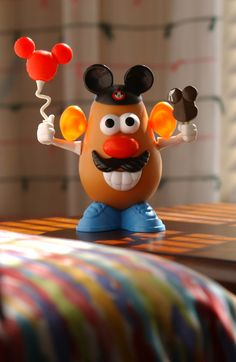 Mr Potato Head having the time of his life in Disneyland! (I love the balloon! Mr Potato Head, Potato Heads, Mickey Mouse Costume, Mickey Ears, Minnie Mouse, Disney Rides, Disney Pixar, Disney Theme, Disney Parks