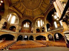 Union Chapel, Islington Sunday In London, London Life, London Places, Amazing Spaces, Best Cities, The World's Greatest, Barcelona Cathedral, Places To Visit, Explore