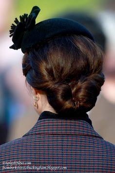 fromberkshiretobuckingham:  Back view of the Duchess of Cambridge's updo, January 10, 2016