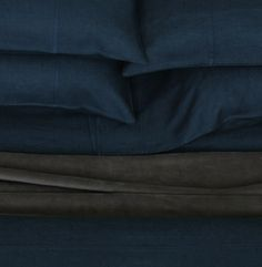 area   SIMONE pure linen duvet cover SIMONE - midnight. Soft, lightweight pure linen with decorative French seams. Duvet covers, sheets and cases.  King fitted sheet $320 King flat sheet   $320 King pr cases     $155 TOTAL     $795