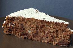 Nussig, gehaltvoll, schokoladig - dieser Maronen-Kuchen schmilzt auf der Zunge und ist fast mehr Dessert als Kuchen. Himmlisch!