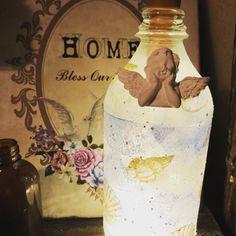瓶をヤスリで削りペイント、デコパージュして アロマストーンを付け 100 均のワイヤー電球を中に入れたら完成 Vodka Bottle, Blessed, Switch, Photo And Video, Instagram, Crafts, Home Decor, Manualidades, Decoration Home