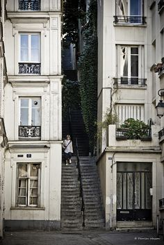 Passage Cottin, Montmartre, Paris