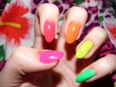20 Pretty and Fun Summer Nail Arts