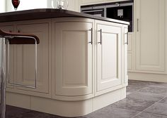 Eildon in frame solid oak Kitchen in Cream – First Impressions Galley Kitchen Design, Kitchen In, Kitchen Doors, Kitchen Ranges, Kitchen Ideas, Solid Wood Kitchens, Cream Paint, White Industrial, Kitchen Gallery