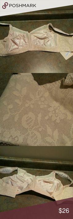 BRA.    NEW. 18 hour Floral decor playtex Intimates & Sleepwear Bras