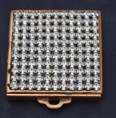 VINTAGE Gold metal POWDER CASE Compact RHINESTONES