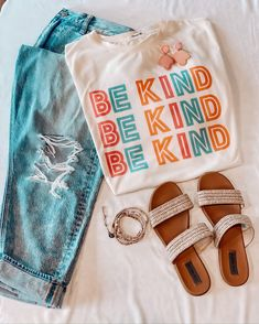 Mar 2020 - Styling this Loose Colorful Be Kind Print Casual T-Shirt with your favorite fashion items! Easy to create your own fashion look with it! Casual Summer Outfits, Cute Outfits, Easy Outfits, Casual Winter, Women's Casual, Cute Shirt Designs, Mode Streetwear, Cute Tshirts, T Shirt Diy