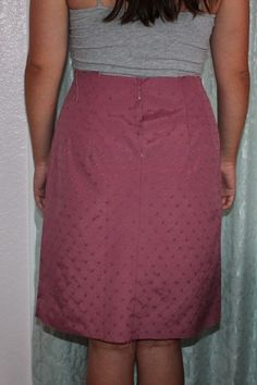 Learn how to sew a pencil skirt with zipper, start with basic skirt pattern drafting, learn draping method of pattern making. Pencil Dress Outfit, Pencil Skirt Casual, Pencil Skirt Outfits, High Waisted Pencil Skirt, Pencil Skirts, Pencil Dresses, Dress Making Patterns, Girl Dress Patterns, Skirt Patterns Sewing