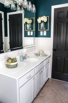 A dated cabinet gets a refresh with Benjamin Moore Coventry Gray for an inexpensive bathroom update. Diy Cabinets, Bathroom Cabinets, Bathroom Flooring, Oak Bathroom, Condo Bathroom, Downstairs Bathroom, Washroom, Bathroom Storage, Master Bathroom