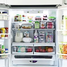 17 photos of exceptionally organized spaces that will fuel your spring cleaning . - 17 photos of exceptionally organized spaces that will fuel your spring cleaning The Effective Pict - Fridge Shelves, Refrigerator Organization, Kitchen Organization, Kitchen Storage, Counter Depth Refrigerator, Clean Fridge, Organized Fridge, Healthy Fridge, Organizing Ideas