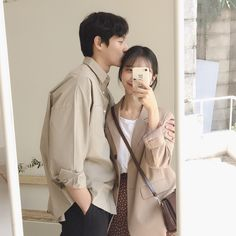 a book full of fluff and stuff:) Korean Aesthetic, Couple Aesthetic, Aesthetic Fashion, Couple Ulzzang, Ulzzang Girl, Matching Couple Outfits, Matching Couples, Fashion Couple, Look Fashion