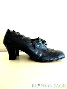 f612882739 vintage 1940s shoes 40s navy blue noir by shopREiNViNTAGE on Etsy