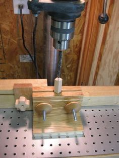 Ten Advanced Ways To Learn Woodworking Easy Woodworking Ideas, Woodworking Jigsaw, Woodworking Techniques, Woodworking Supplies, Woodworking Furniture, Woodworking Shop, Woodworking Projects, Drill Press Vise, Drill Press Table
