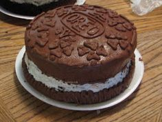Oreo Birthday Cake- OMG :))) Larry's next birthday cake