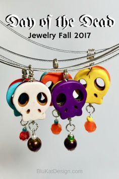 day of the dead jewelry Halloween Jewelry, Halloween Skull, Beaded Earrings, Beaded Jewelry, Sugar Skull Jewelry, Skull Pendant, Skull Necklace, Fall Jewelry, Day Of The Dead