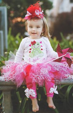 Valentines Day Outfit  Baby Girl outfit  by DarlingLittleBowShop