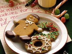 Awww, this plate of cute Gingerbread Cookies has me pining for Christmastime once more. #food #cookies #gingerbread #Christmas #baking