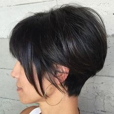 One of my favorite shapes and texture to cut. #alexisbutterflyloft @butterflyloftsalon