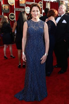 2013 Screen Actors Guild Awards Red Carpet #EdieFalco #Chagoury   Love her as a brunette. Looks great!