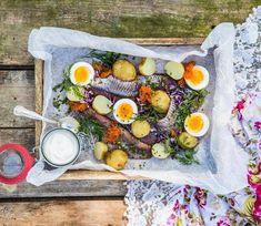 Matjessill med ägg, brynt smör och citroncreme