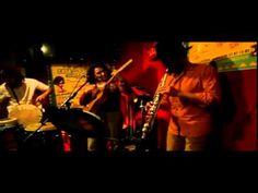 Fusion con Sonosfèra à la Casa Latina Bordeaux 23 01 2015 Fusion con Sonosfèra à la Casa Latina #Bordeaux http://youtu.be/VaqsqxZO0JY #bar #ambiance #mojito #tapas #concert #fiesta #discothèque #musique