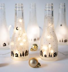 Make Christmas decorations for the table: These 7 DIY projects Weihnachtsdeko für den Tisch basteln: Diese 7 DIY-Projekte sind in 20 Minuten fertig! – Dekoration Haus Sparkling wine bottle lantern Make Christmas decorations for the table - Thanksgiving Decorations, Christmas Decorations To Make, Christmas Diy, Thanksgiving Crafts, Wine Bottle Lanterns, Room Deco, Diy Dorm Decor, Diy Crafts To Do, How To Make Lanterns