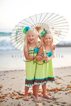 umbrella, sibling portrait photography, family, brother, sister, beach
