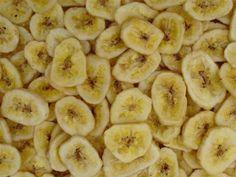 A Can Dehydrated Bananas Chips Freeze Dried Survival Food LDS Prepper Homemade Banana Chips, Dehydrated Banana Chips, Baked Banana Chips, Dehydrated Food, Banana Bread Recipes, Iftar, Raw Banana, Dried Bananas, Paleo