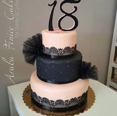 54 Ideas for cake desing compleanno 18 anni 19th Birthday Cakes, Birthday Cake Roses, Sweet 16 Birthday Cake, Beautiful Birthday Cakes, Birthday Cakes For Teens, 18th Birthday Party, Debut Cake, Cake Pop Displays, 18th Cake