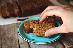 Gluten Free Zucchini Bread #glutenfree, #grainfree, #dairyfree - by Simply vintage Girl
