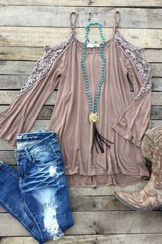 Our Walk The Sky Tunic Top is so perfect! It's a cold shoulder top with adjustable spaghetti straps. Has lace detail to the sleeves. Made to be loose fitted. Cowgirl Outfits, Preppy Outfits, Mom Outfits, Western Outfits, Cute Outfits, Cowgirl Boots, Western Boots, Beautiful Outfits, Country Style Outfits