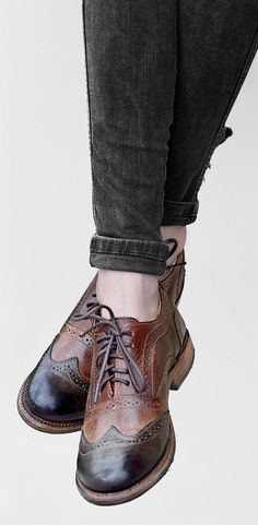 BEDSTU Oxford wingtip shoe, is the women's fashion piece that goes great with every outfit. Pair with a cuffed denim jean and crop top.