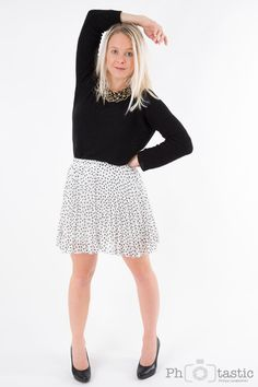 Hallo an alle, es ist soweit, mein neues Fashion Shooting geht/ist online. :-) Feinstrick-Pullover – Colloseum Kette – Primark Rock – New Yorker High Heels – Deichmann Diesm… Colloseum, High, Primark, Fashion Shoot, Outfit, Lace Skirt, Ballet Skirt, Pullover, Skirts